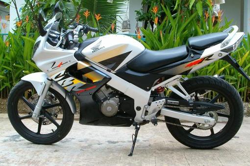 contoh modifikasi motor honda cbr