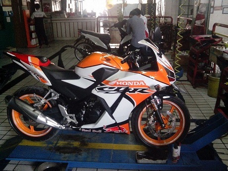 modifikasi cbr 150 local orange