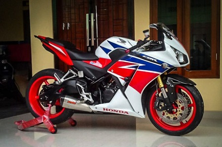 modifikasi cbr 150 local putih merah