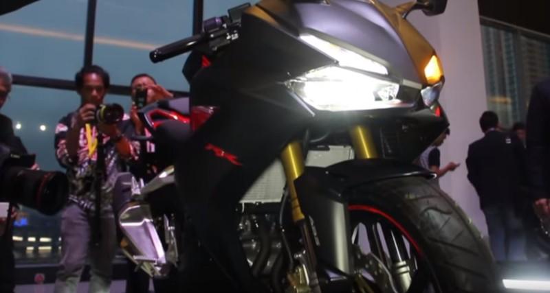 lampu depan dan lampu sein honda cbr 250rr 2016