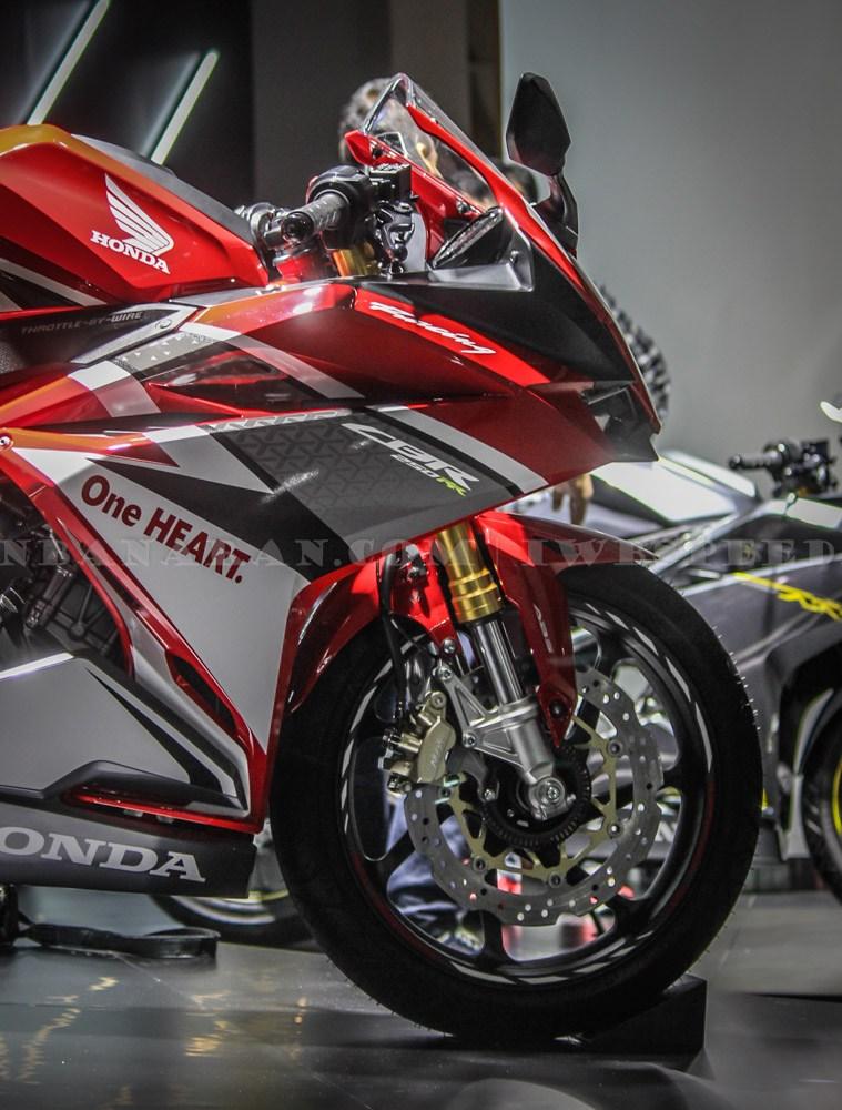 new Honda CBR250RR 2017
