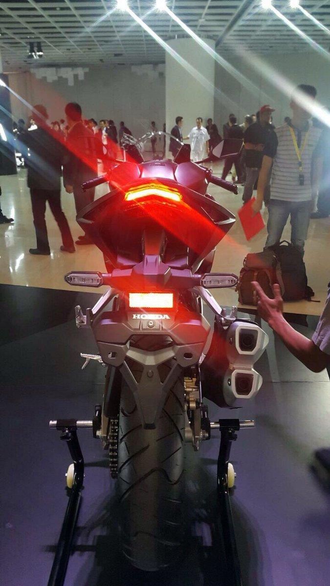 tampilan belakang All new Honda CBR 250rr Warna Merah Putih